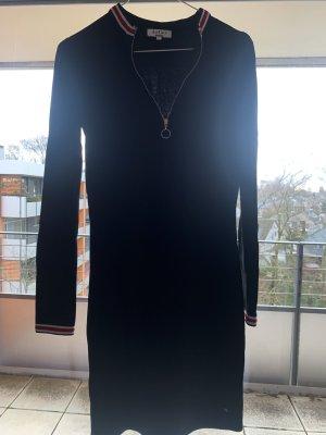 Schwarzes Kleid von LeGer