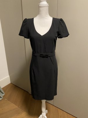 Schwarzes Kleid von Max Well