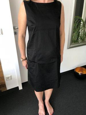 Schwarzes Kleid von Piu & Piu. Größe 40 , fester Baumwollstoff. Länge 92