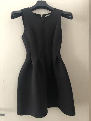 Schwarzes Kleid von Pull and Bear