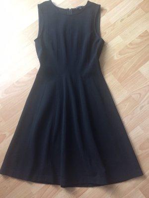 Schwarzes Kleid von theory Gr. 34/6