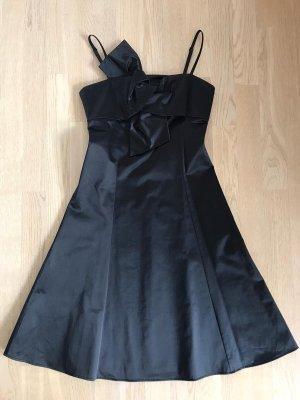 Schwarzes Kleid von Un1Deux2Trois3