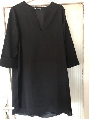 Schwarzes Kleid von ZARA