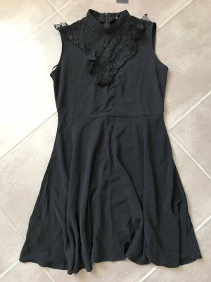Schwarzes Kleidchen mit Spitze / neu! / New Look