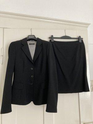 schwarzes Kostüm Strenesse