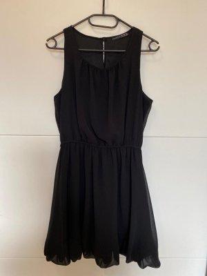schwarzes, kurzes kleid