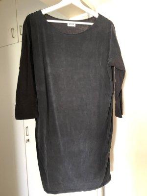 Schwarzes kurzes Kleid mit Dreiviertelärmeln in Größe S