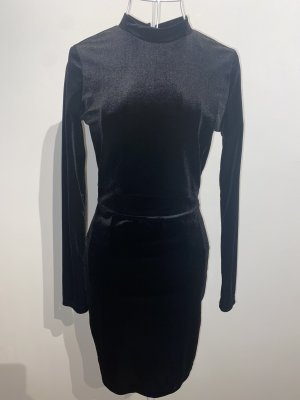 Schwarzes kurzes samt Kleid - rückenfrei
