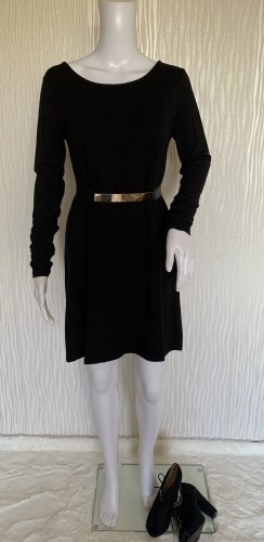 Schwarzes Langarm Kleid mit Rücken Ausschnitt von PULL&BEAR Gr. M