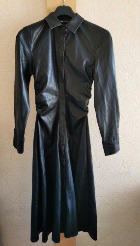 Schwarzes, langes Kunstlederkleid