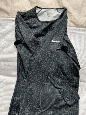 Schwarzes Laufshirt von Nike