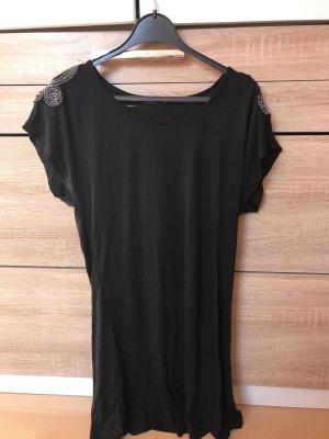 Schwarzes Long Shirt mit Schulter Bestückung