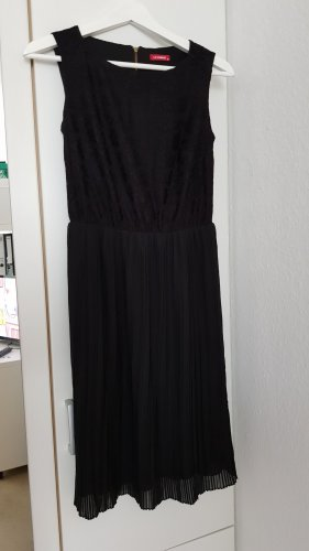 schwarzes midi Kleid