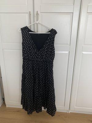Schwarzes Midi Kleid mit blümchen