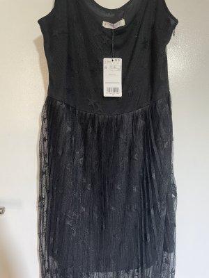 Schwarzes Midi Kleid mit Sternentüll
