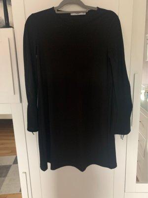 Schwarzes Mini Kleid mit gerafften Ärmeln