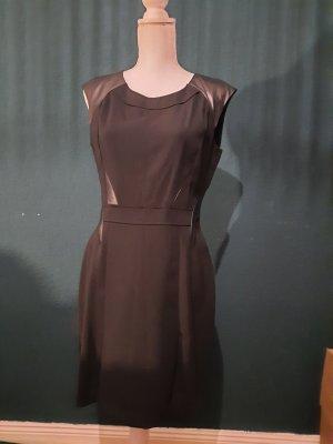 schwarzes Minikleid in L