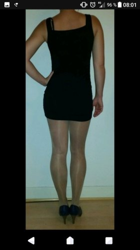 Schwarzes Minikleid mit Pailletten