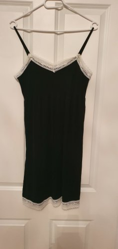 Schwarzes Nachtkleid