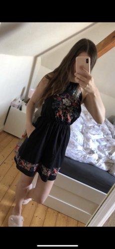 Schwarzes Neckholder Kleid mit Muster