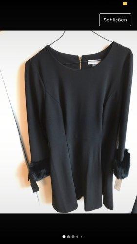 Schwarzes neues Calvin Klein Kleid