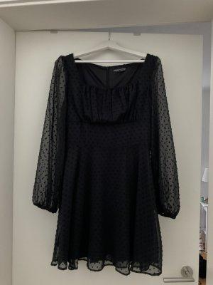 Schwarzes neues Kleid von Shein