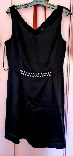 Schwarzes Oliver's - BLACK LABEL Kleid mit Diamentem Schmuck