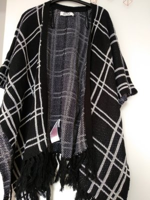Only Knitted Poncho white-black