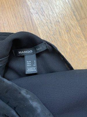 Schwarzes schickes hochgeschlossenes Kleid
