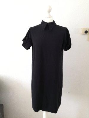 Schwarzes schlichtes miu miu Kleid mit Kragen und wunderschönen Ärmeln