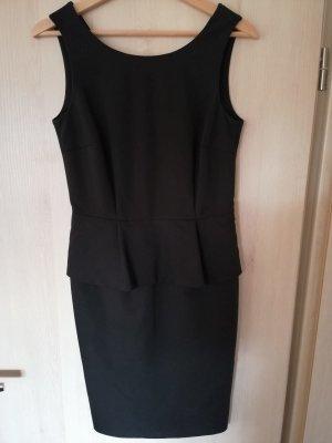 Schwarzes Schößchenkleid von Hallhuber