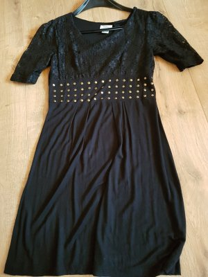 Sukienka o kroju koszulki czarny