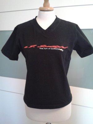 Schwarzes Shirt mit hochwertiger Stickerei