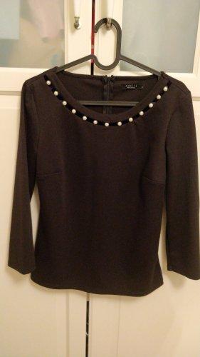 Schwarzes Shirt mit Perlenkragen