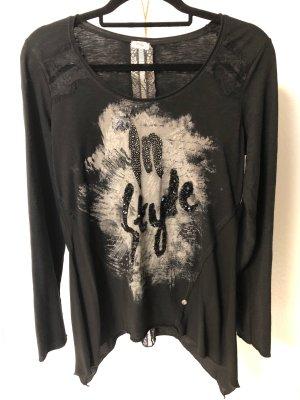 Schwarzes Shirt mit Print von Tredy