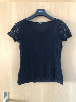 Schwarzes Shirt mit Spitze