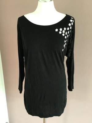 Schwarzes Shirt mit Stern Cut Out