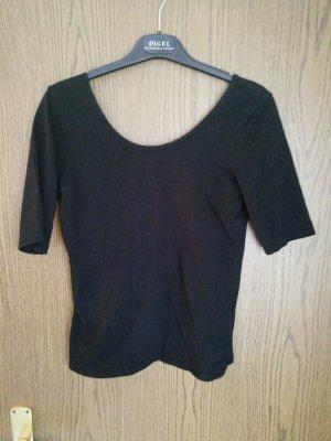 Schwarzes shirt Rückenausschnitt