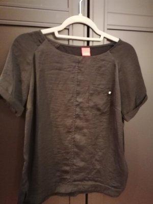 Schwarzes Shirt, Seidenoptik