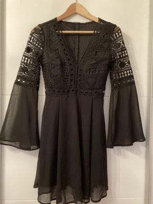 Robe en dentelle noir