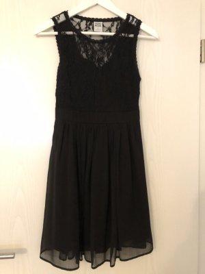 Schwarzes Spitzenkleid von Vero Moda XS