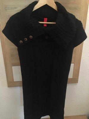 Schwarzes Strickkleid