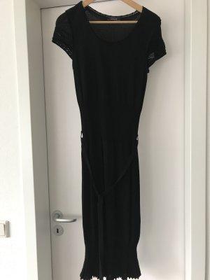 Schwarzes Strickkleid Größe M