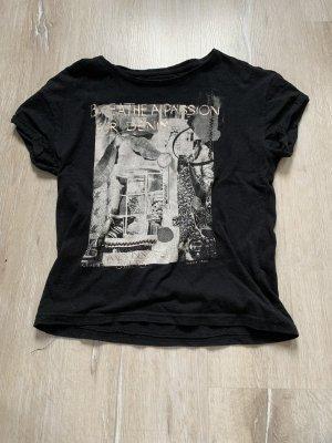 Schwarzes T-Shirt mit Druck