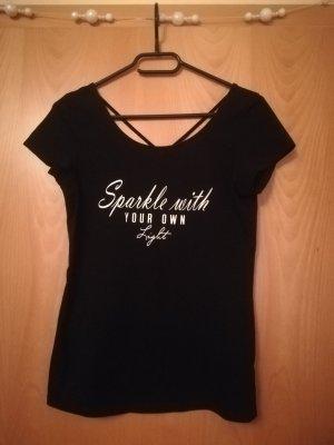 Schwarzes T-Shirt mit schrift