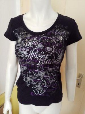 schwarzes T-Shirt mit silbernem Aufdruck