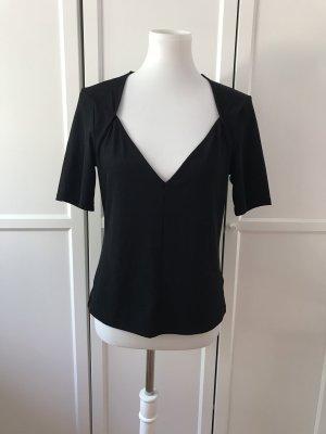 Schwarzes T-Shirt mit tollem V-Ausschnitt