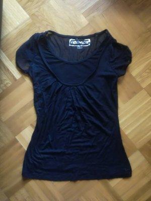 Schwarzes T-Shirt mit transparentem Ausschnitt