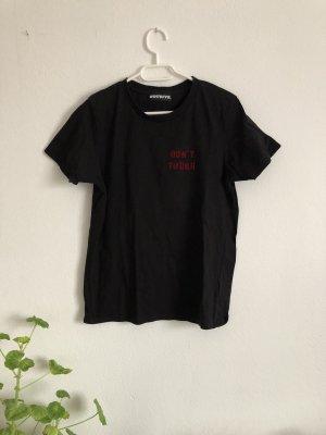 Schwarzes T-Shirt von Worst Behavior