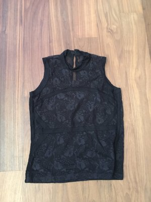 Schwarzes Top mit schönem Muster